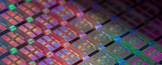 Intel Avoton Chip wafer2013