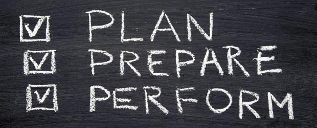 SLIDE SHOW Plan, prepare, perform SHUTTERSTOCK