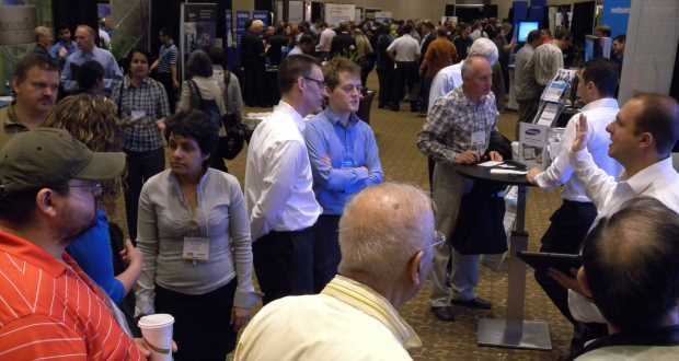 Crowd at iTech Toronto 2014's trade show. (ITWC photo)