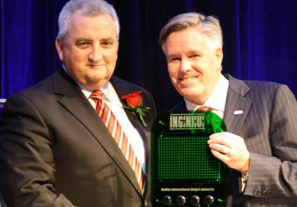 Michael Healey, left, VP Halifax Airport with David MacDonald, CEO Softchoice. ITAC photo