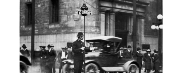 Toronto traffic King and Yonge streets circa 1912