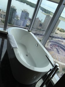 Some suites in the Delta Toronto offer a bath tub with a view.