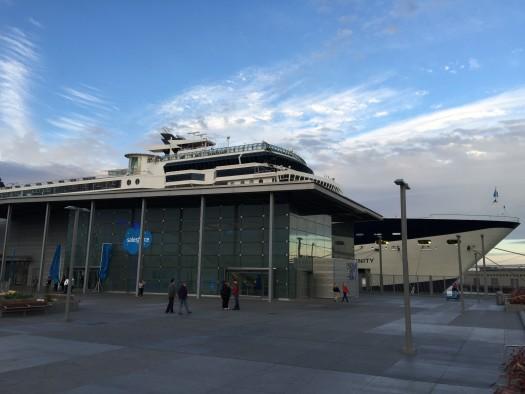 06-cruise ship