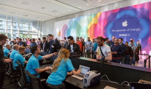 wwdc-registration-desk