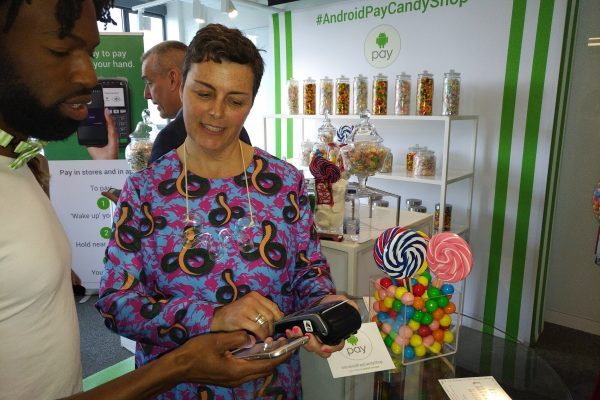 Paola Giavedoni using Android Pay