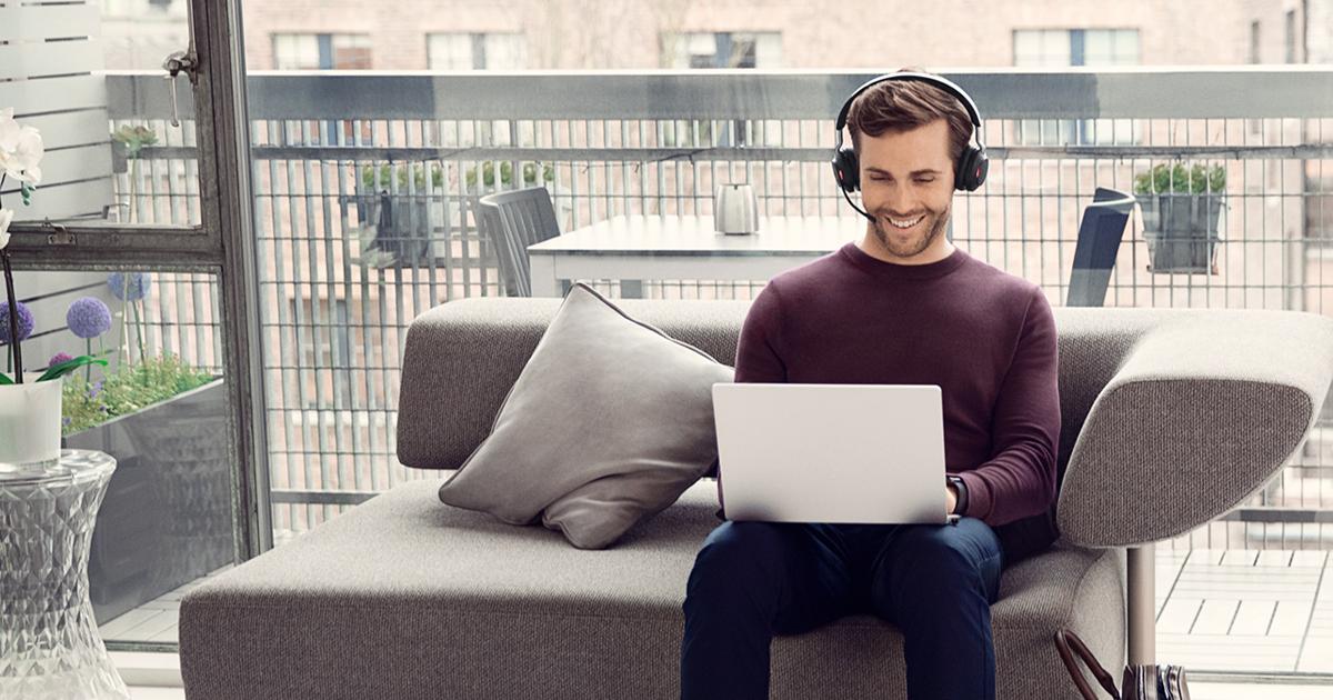 Man chatting on laptop